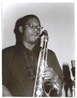 Ravi Coltrane playing the tenor saxophone, Los Angeles, June 26, 2002 [descriptive]