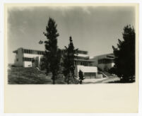 Strathmore Apartments, oblique view of front exterior, Los Angeles, California, 1937