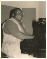 Cyrus Chestnut playing the piano in Los Angeles, May 1996 [descriptive]