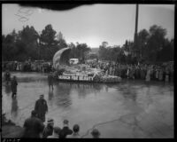 """Search for Beauty"" float in the Tournament of Roses Parade, Pasadena, 1934"