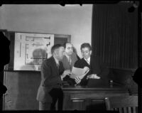 Attorneys Arthur Veitch and Jerry Giesler on the stand with Jack Allen, Los Angeles, 1930s