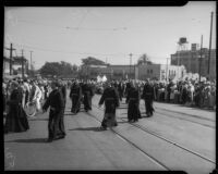 Friars join a parade to honor Junipero Serra statue, Los Angeles, 1934