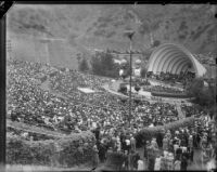 Spectators watching Eleanor Roosevelt speak at the Hollywood Bowl, October 1, 1935