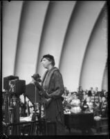 Eleanor Roosevelt speaks at the Hollywood Bowl, October 1, 1935