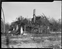 Home destroyed by forest fire, Altadena, California, October 1935