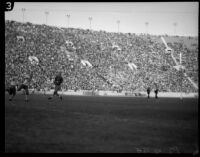 Play during game between USC and UCLA at the Coliseum, Los Angele, 1935