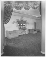 Mayfair Theatre, Ventura, lounge