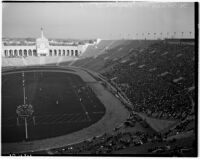 Football game between the Loyola Lions and the St. Mary's Galloping Gaels at the Coliseum, Los Angeles, 1937