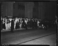 Crowd outside Shrine Auditorium on opening night of the opera, Los Angeles, November 15, 1937