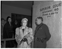 L.S. O'Bannon and Dorcas Dazey, third wife of Dr. George K. Dazey, at the trial in which Dr. Dazey is accused of killing his second wife, Doris S. Dazey, Los Angeles, 1939-1940