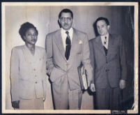 Accused murderer Katie Dunn with her lawyer Walter L. Gordon, Jr., and Judge Samuel Gates, Los Angeles, June 1940
