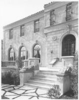 Cohen House, Los Angeles, entry