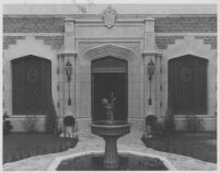 Haddon Hall Apartments, Los Angeles, courtyard with fountain