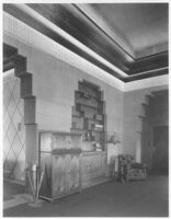 Sheehan Apartments, Beverly Hills, entrance hall