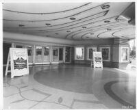 Tower Theatre, Fresno, lobby