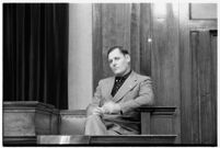 Ambulance driver Harry T. Meredith on the witness stand during the murder trial of Paul A. Wright, Los Angeles, 1938