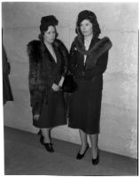 Mary Louise Baker and Jeanette Wilson, witnesses for the defense in the George (Les) Bruneman murder trial, Los Angeles, 1940