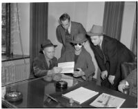 Accused murderer John Frank Reavis awaits the decision on Reavis's indictment, Los Angeles, February 28, 1940