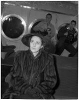 Betsey Cushing Roosevelt at her divorce suit against husband James Roosevelt, eldest son of the President, Los Angeles, February 29, 1940