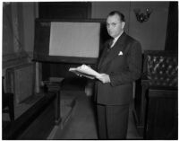Deputy District Attorney Russell E. Parsons at the liquor license bribe trial, Los Angeles, October 1939-May 1940