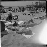 Crowded beach scene on Labor Day, Los Angeles, September 3, 1945