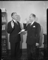 Frank S. Hutton swears Goodwin S. Knight into office, Los Angeles, 1935