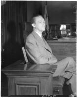 Murder suspect Robert S. James on the witness stand, Los Angeles, 1936