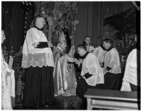 Amleto Giovanni Cicognani officiating at the elevation ceremony of Bishop John J. Cantwell to Archbishop of the newly created Roman Catholic Province of Los Angeles, Los Angeles, 1936