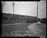 Crowd gathers to hear strike organizers speak during the Douglas Aircraft Corporation strike, Santa Monica, 1937