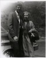 Van Cliburn posing with Rosina Lhevinne, 1960 [descriptive]