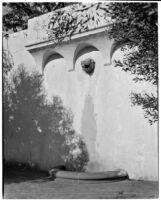 James R. Martin residence, lion head wall fountain, Los Angeles, 1931