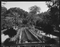 Maria Luisa Park during the Ibero-American Exposition of 1929, view of a pool, Seville, 1929