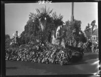 Czechoslovakia float at the starting point of the Tournament of Roses Parade, Pasadena, 1927