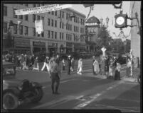Street scene at Santa Monica Boulevard and Third Street, Santa Monica, 1928