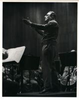 Kurt Sanderling conducting, 1986 [descriptive]