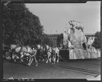 Parade float pulled by horses at La Fiesta de Los Angeles, Los Angeles, 1931