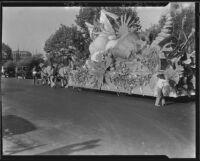 Parade float pulled by horses at La Fiesta de Los Angeles, Los Angeles, 1931