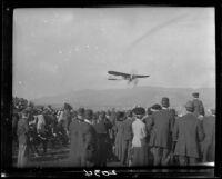 Monoplane and crowd, Tanforan Racetrack, San Bruno, 1911