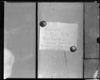 Note posted on wooden wall or fence, forensic photograph for the Mary Skeele kidnapping case, 1933