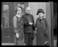 Composer John Philip Sousa standing with Jennie Jones and Susan Dorsey, Los Angeles, 1926