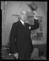 Senator Samuel M. Shortridge tipping hat, 1935
