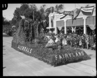 """Fairyland,"" first prize winning float in the Tournament of Roses Parade, Pasadena, 1924"