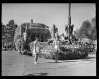 """Casino at Catalina Island"" float in the Tournament of Roses Parade, Pasadena, 1933"