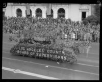 Gondola float in the Tournament of Roses Parade, Pasadena, 1928