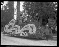 """New Jersey"" float before the Tournament of Roses Parade, Pasadena, 1928"