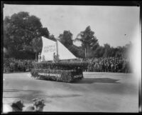 """Happy New Year"" float in the Tournament of Roses Parade, Pasadena, 1929"