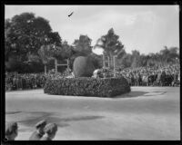 Football field float in the Tournament of Roses Parade, Pasadena, 1929