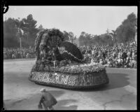 Float commemorating the Trojans football team in float in the Tournament of Roses Parade, Pasadena, 1930