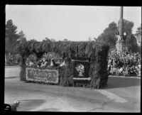 """Singing Jimmie Smith"" float in the Tournament of Roses Parade, Pasadena, 1930"