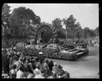 """Fountain of Happiness"" float at the Tournament of Roses Parade, Pasadena, 1930"